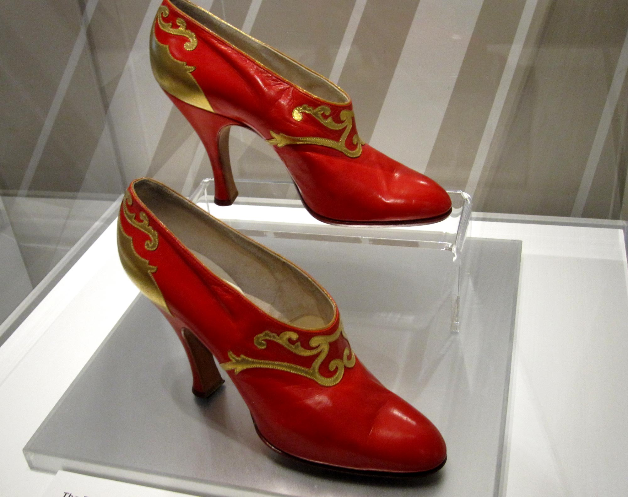 Here are some vintage inspired Art Deco and oxford style shoes..... taken from http://www.swingfashionista.com